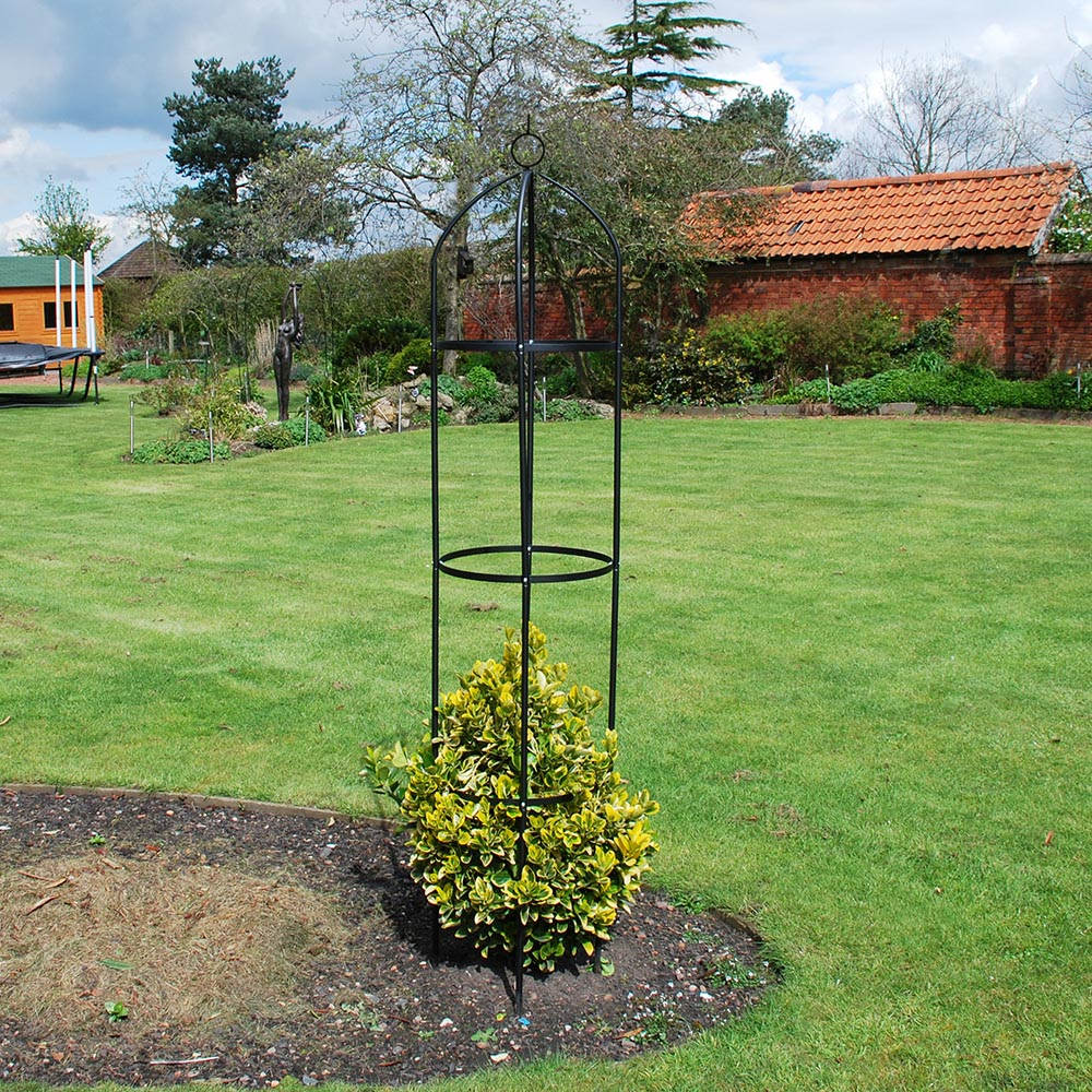 garden_obelisk